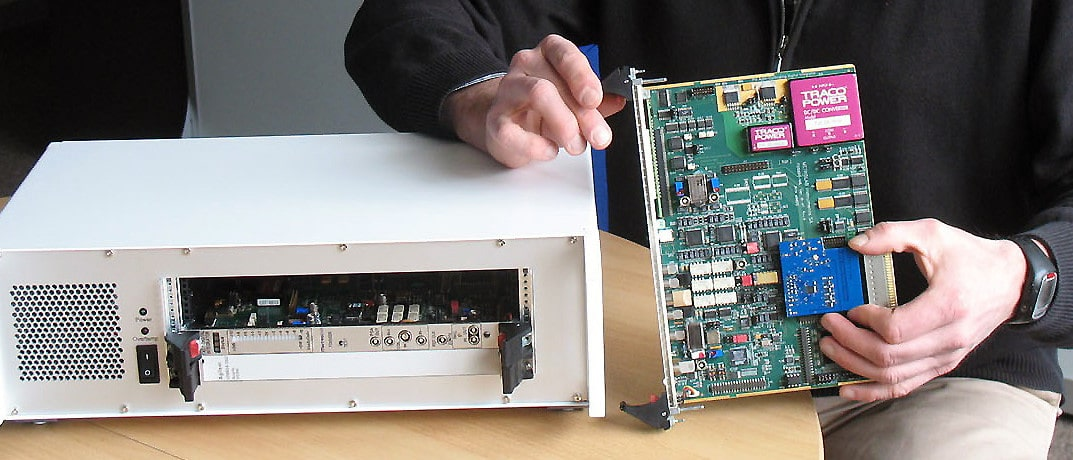 Fast Digital Integrator - From board to instrument - Metrolab